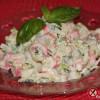 Ekspresowa sałatka z surimi (krabowa)
