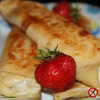 Naleśniki z białym serem i sosem cynamonowym