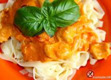 Tagliatelle z indykiem, pomidorami i mascarpone