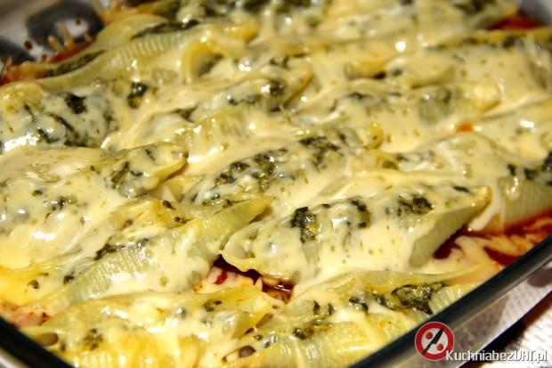 Muszle z nadzieniem szpinakowym z dodatkiem sera feta