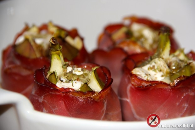 Zapiekane figi z serem camembert i szynkąszwarcwaldzką